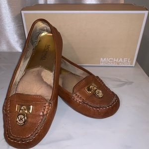 Michael Kors Hamilton luggage shoes